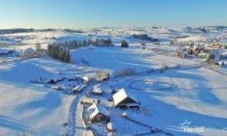 Câți bani au făcut doi tineri din Cluj care au închiriat cabane care nu există