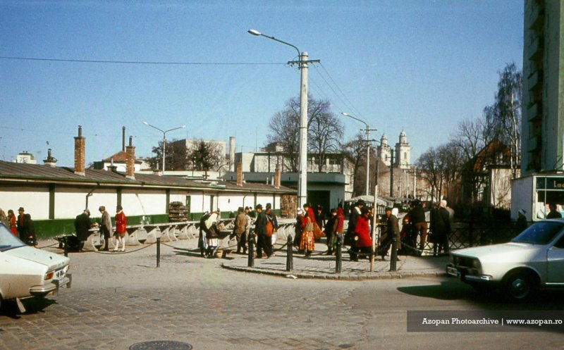 Piaţa Mihai Viteazul în anul 1972