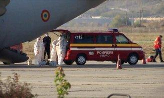 Situație incredibilă pe Aeroportul din Cluj! Trei persoane infectate cu COVID, în stare gravă, ținute o oră degeaba în avion. Au fost urcate în ambulanţe şi transportate înapoi la spital